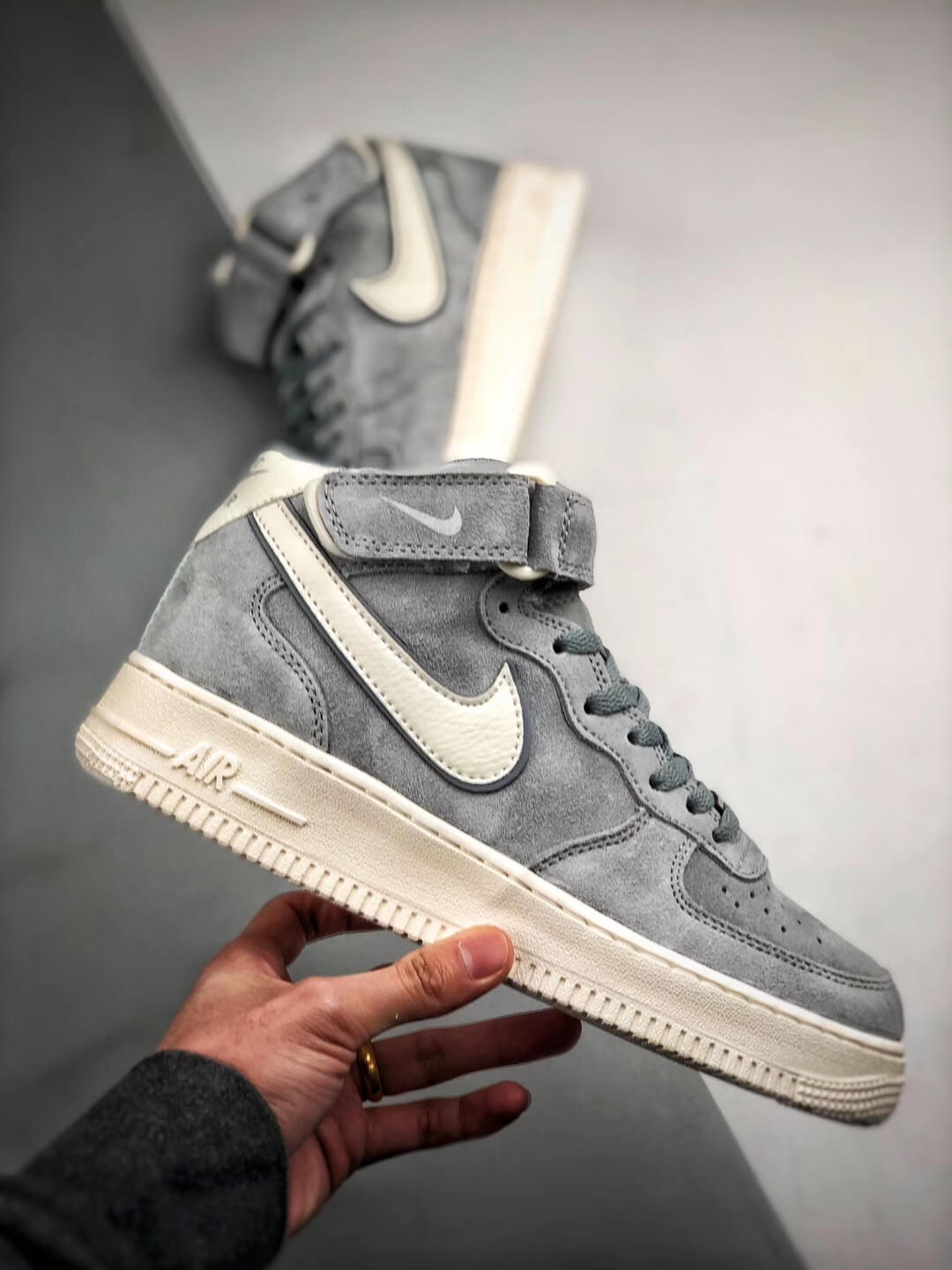 The Air Force 1 Mid 07 3M Reflective