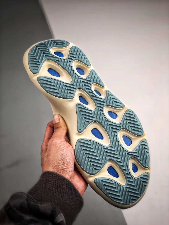 yeezy 700 sole