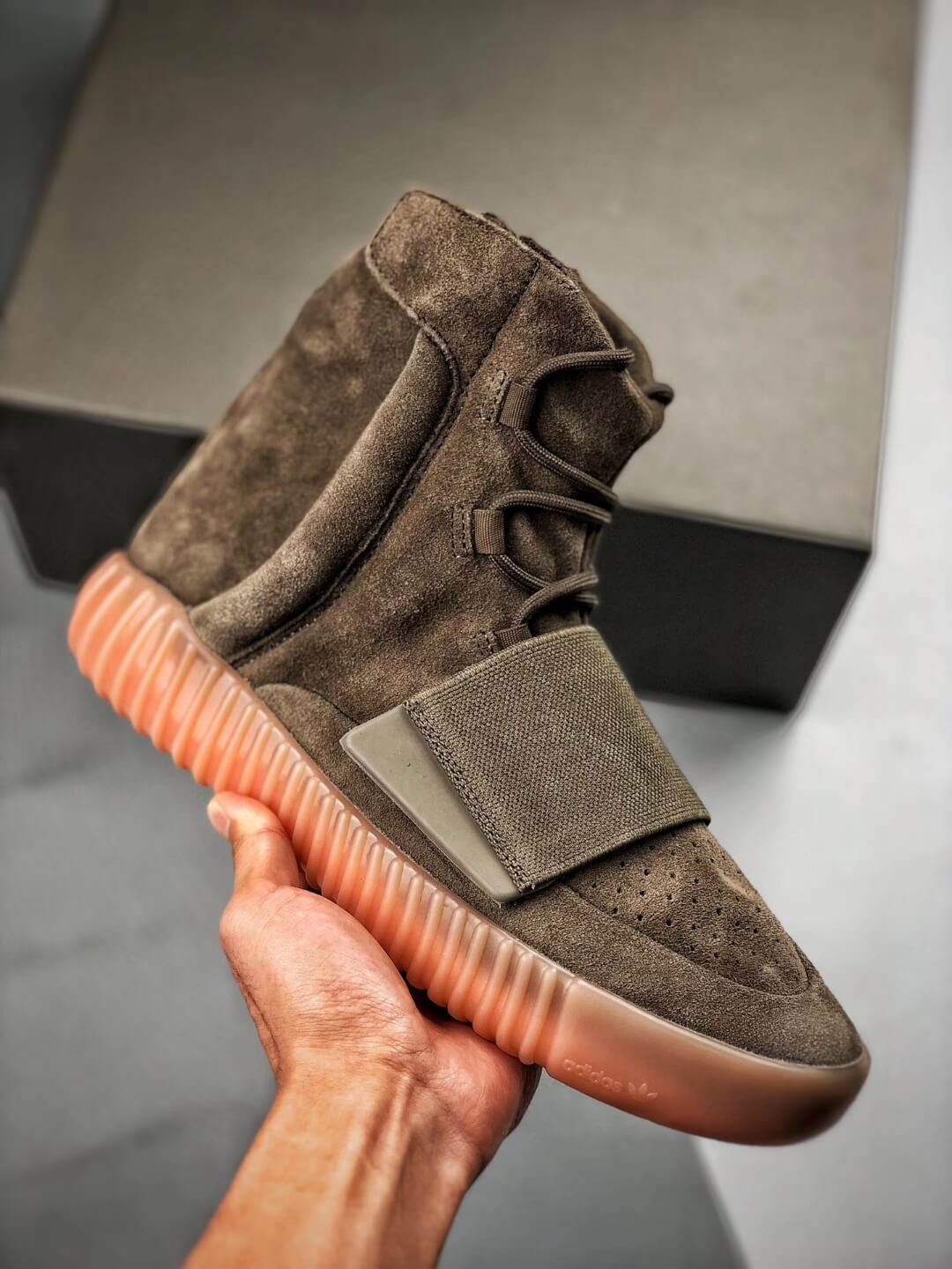 The Adidas Yeezy Boost 750 Chocolate Sneaker Quality RepShoes 01
