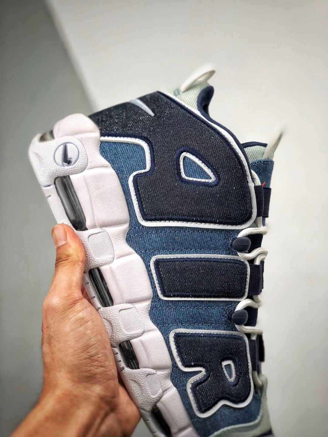 The Nike Air More Uptempo 96 Denim Sneaker Blue jean Fabric Style Large AIR Scottie Pippen Repshoes 05