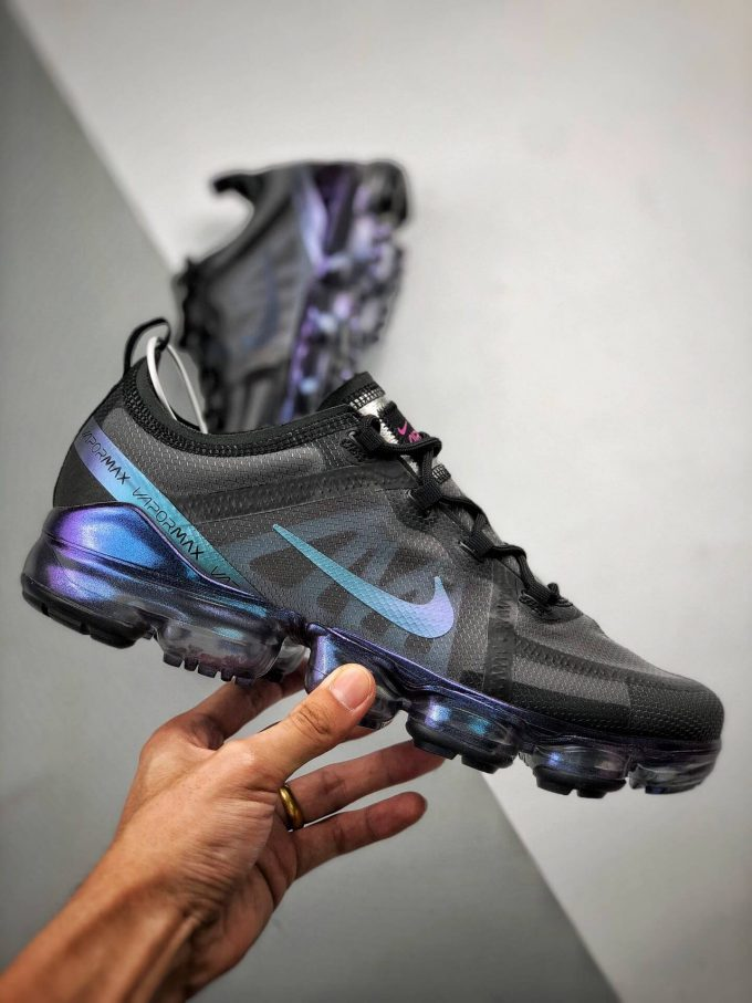 The Nike Wmns Air VaporMax 2019 Throwback Future 02