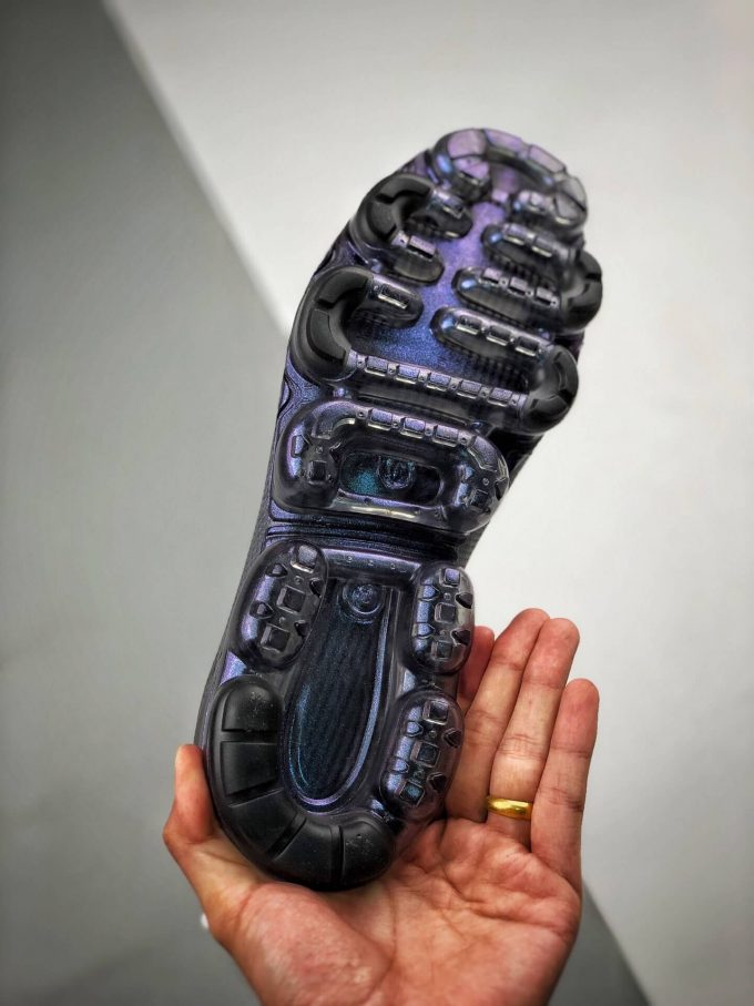 The Nike Wmns Air VaporMax 2019 Throwback Future 08