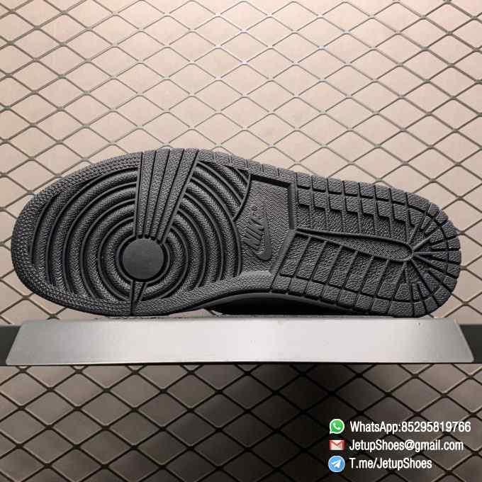 Best Replica Sneakers Wmns Air Jordan 1 Retro High OG Silver Toe Black Forefoot Overlays Shiny Metallic Silver Finish Toe Box 08