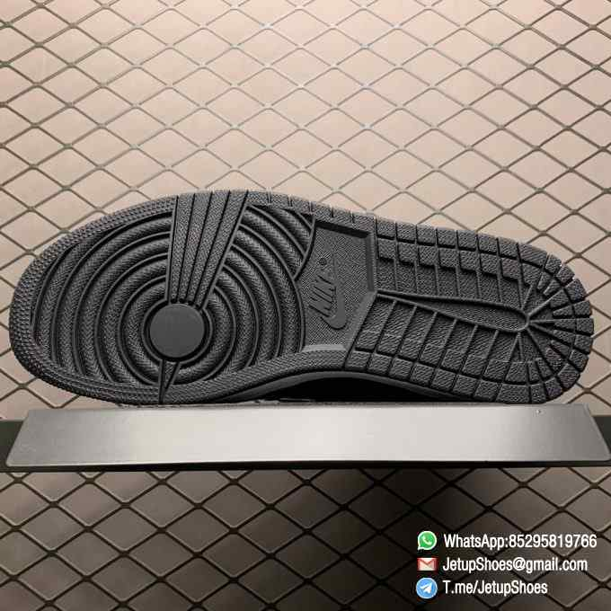 Top Fake Sneakers Air Jordan 1 Retro High OG NRG Gold Toe SKU 861428 007 Black Patent Leather Upper Metallic Gold Accents 05